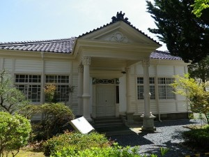 柏陵記念館(国登録有形文化財)